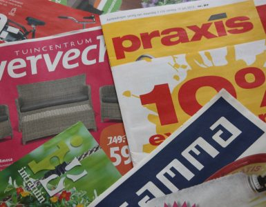 thuiswerk reclamefolders sorteren